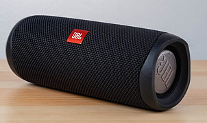 What Is The Difference Between Bluetooth Vs Wireless Speakers?